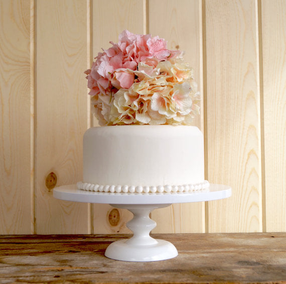 simple-modern-wedding-cake-stand