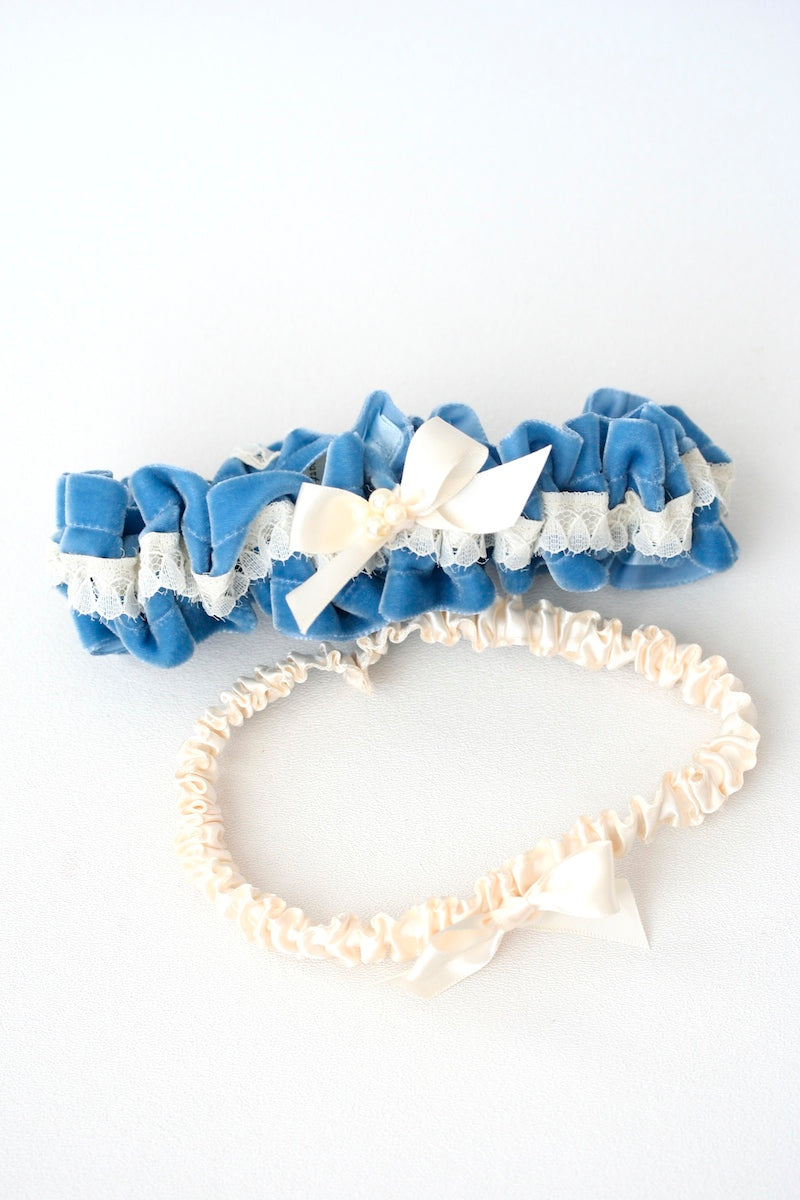 something-blue-wedding-garter-velvet-pearls-The-Garter-Girl1