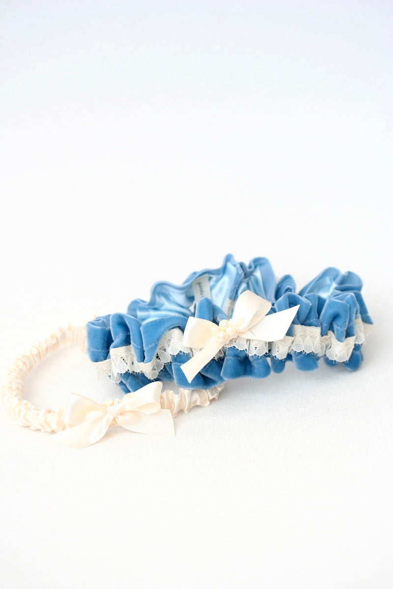 something-blue-wedding-garter-velvet-pearls-The-Garter-Girl3