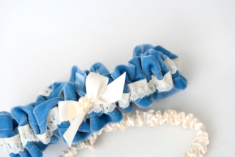something-blue-wedding-garter-velvet-pearls-The-Garter-Girl4