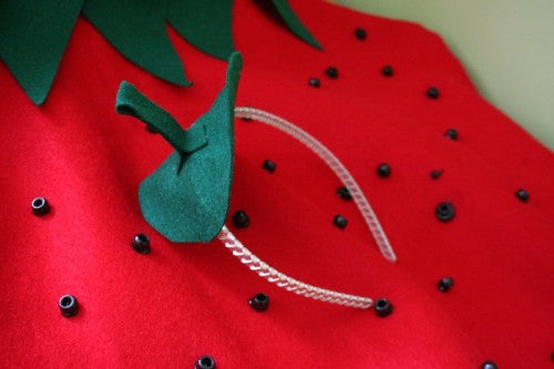 strawberry-diy-kids-halloween-costume
