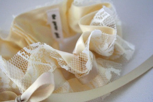 stylish-lace-garter-for-wedding