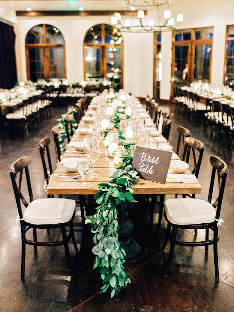 table-garland-elegant-southern-wedding-amy-arrington-photography