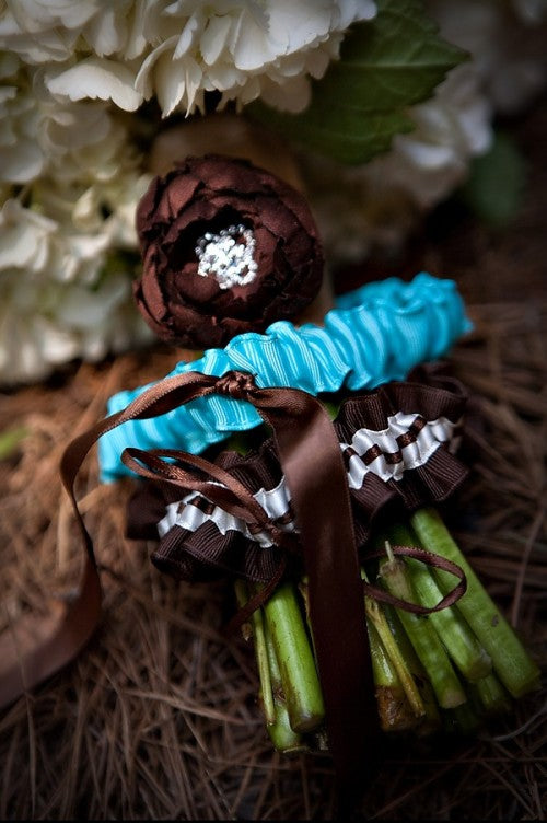 turquoise-and-brown-unique-wedding-garters
