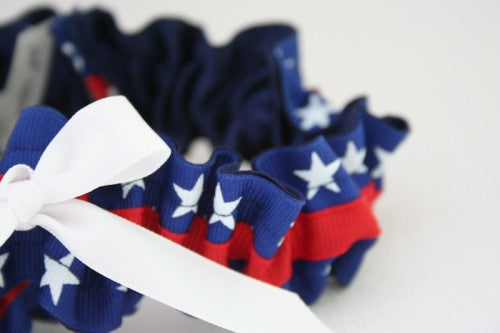 usa-themed-wedding-garter-with-stars