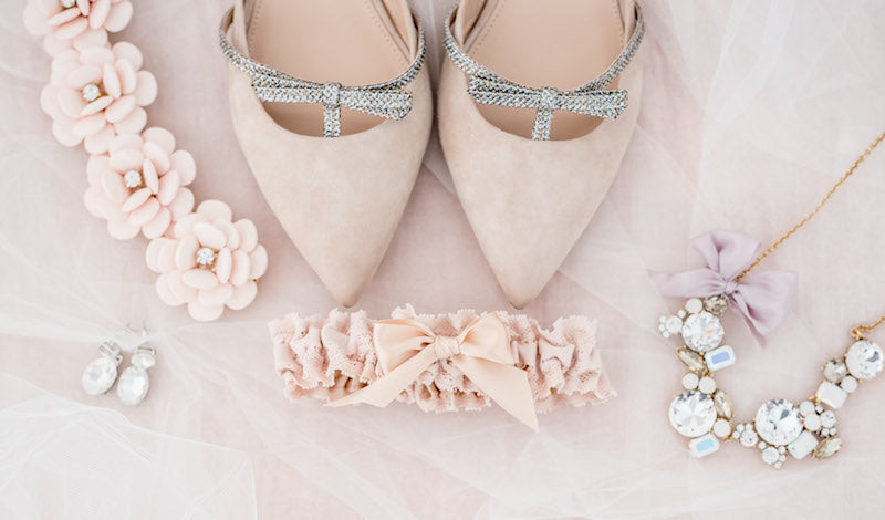 blush accessories for the bride - how to use pinterest to plan your wedding