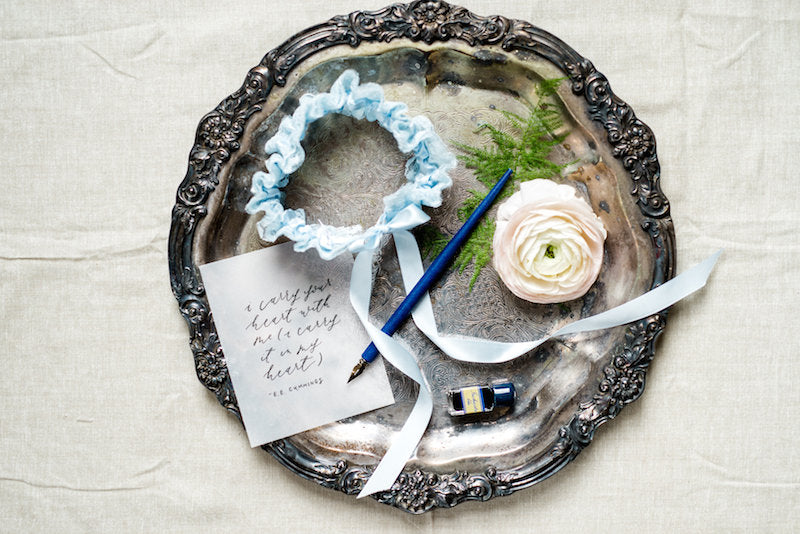 vintage-something-blue-wedding-garter-renee-hollingshead-photography