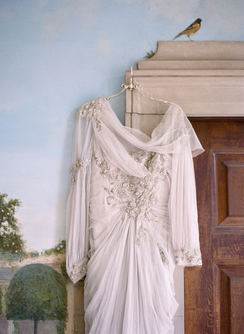 vintage-wedding-dress-old-world-wedding-ideas