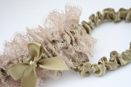 wedding-garter-The-Garter-Girl