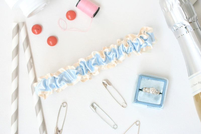 wedding-planner-emergency-kit-garter-The-Garter-Girl-10