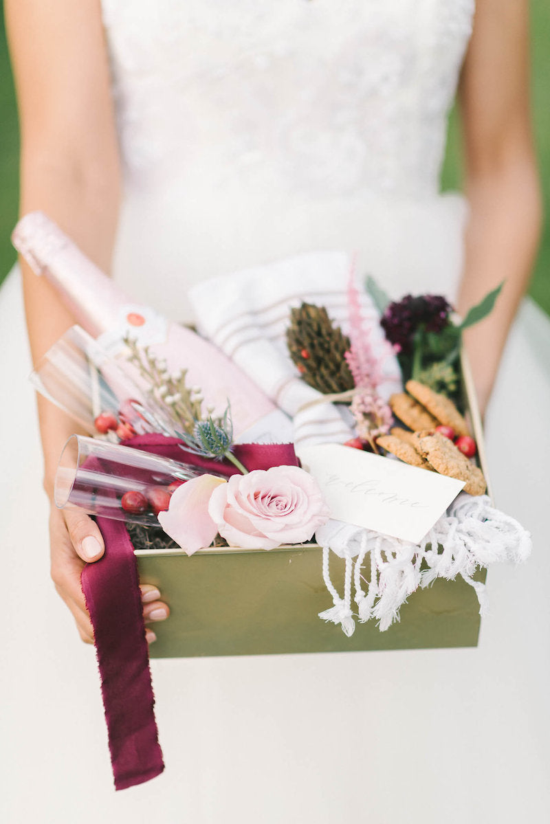 welcome-gift-luxurious-winter-wedding-inspiration-Liz-Fogarty-Photography