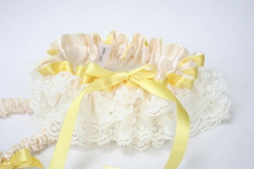 yellow-ivory-lace-wedding-garter-set-The-Garter-Girl