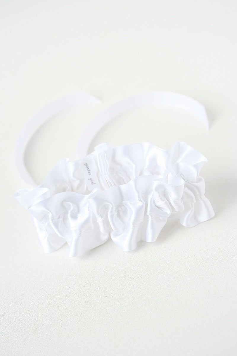 all-white-wedding-garter-the-garter-girl