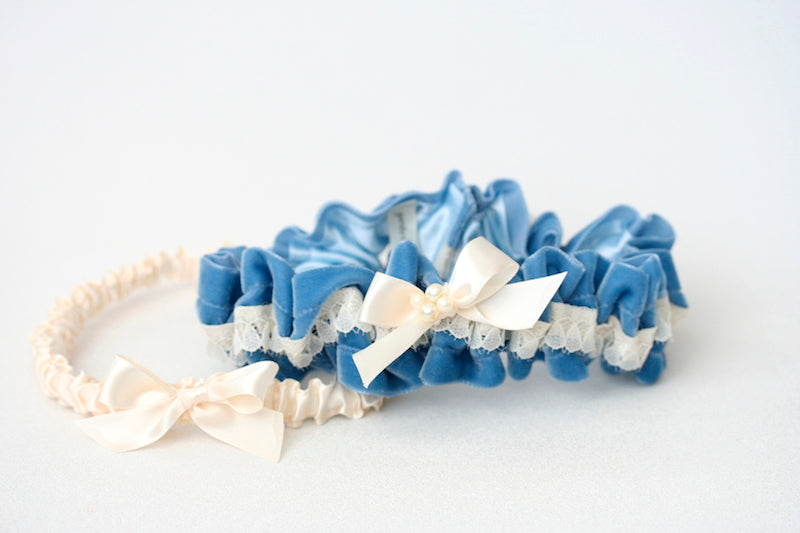 blue-velvet-wedding-garter-set-pearls-The-Garter-Girl