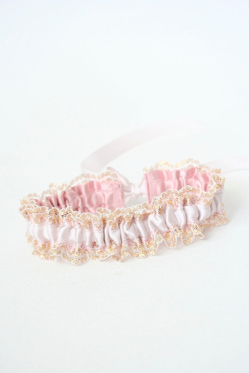 shades of blush and gold lace wedding garter