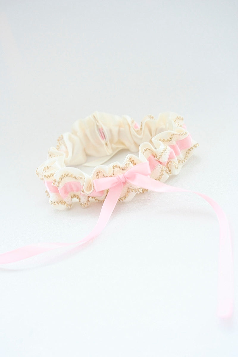 blush-wedding-garter-the-garter-girl