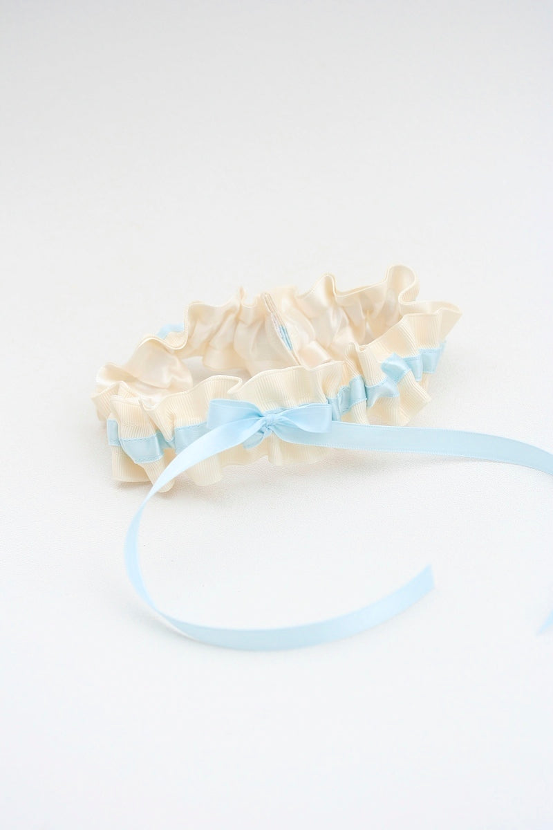 something blue wedding garter with bow