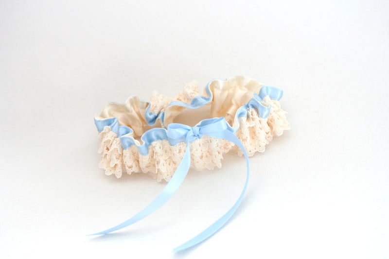 custom-bridal-garter-The-Garter-Girl