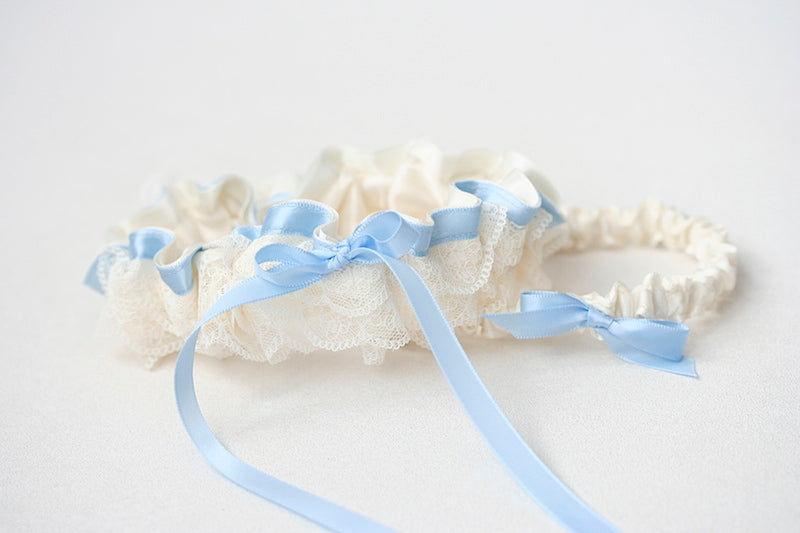custom garter set with wedding date with lace and blue