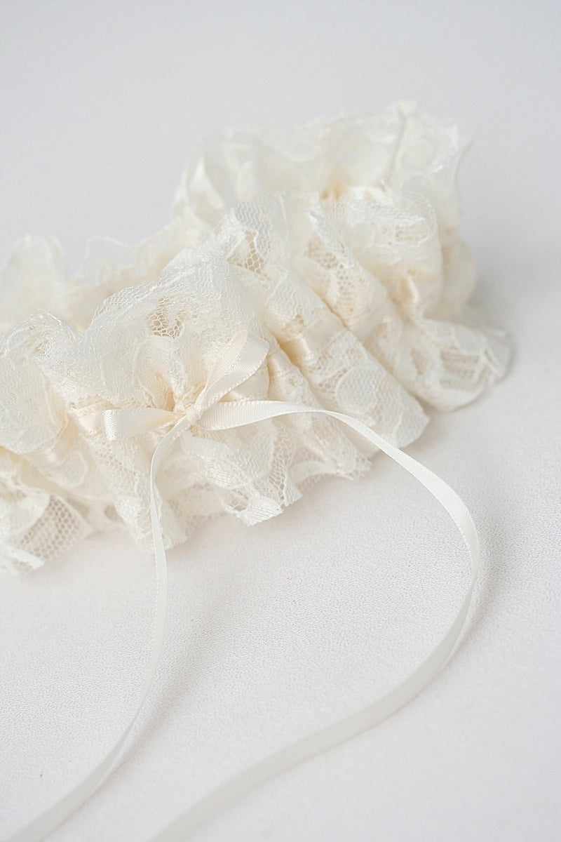 custom-heirloom-lace-wedding-garter-the-garter-girl