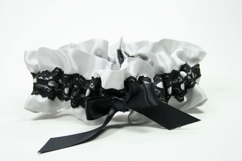 custom-wedding-garter-The-Garter-Girl-31
