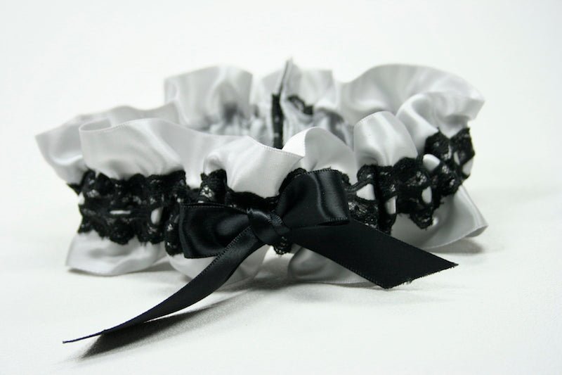 custom-wedding-garter-The-Garter-Girl-33