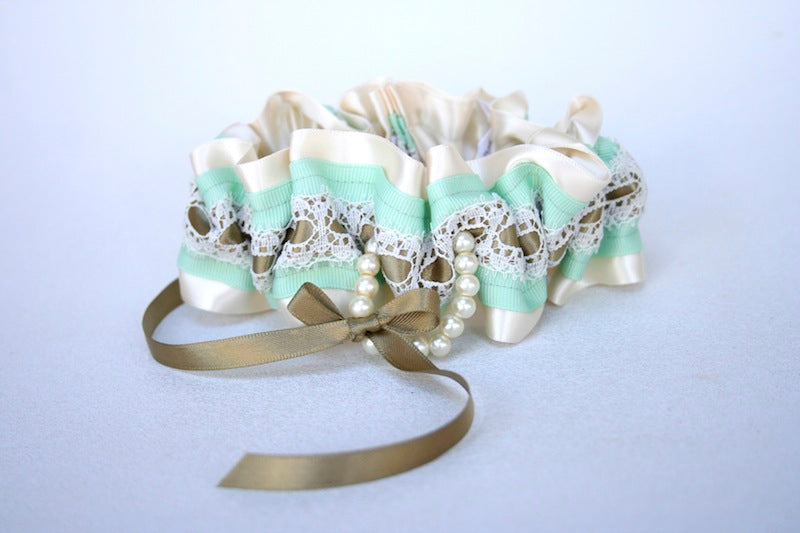custom-wedding-garter