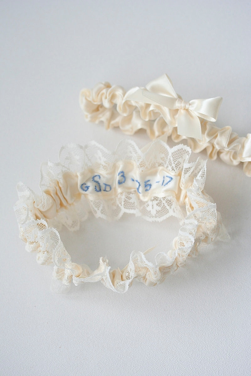 embroidered-custom-wedding-garter-The-Garter-Girl