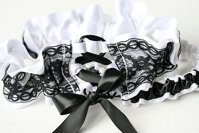 feminine-wedding-garter-set-The-Garter-Girl
