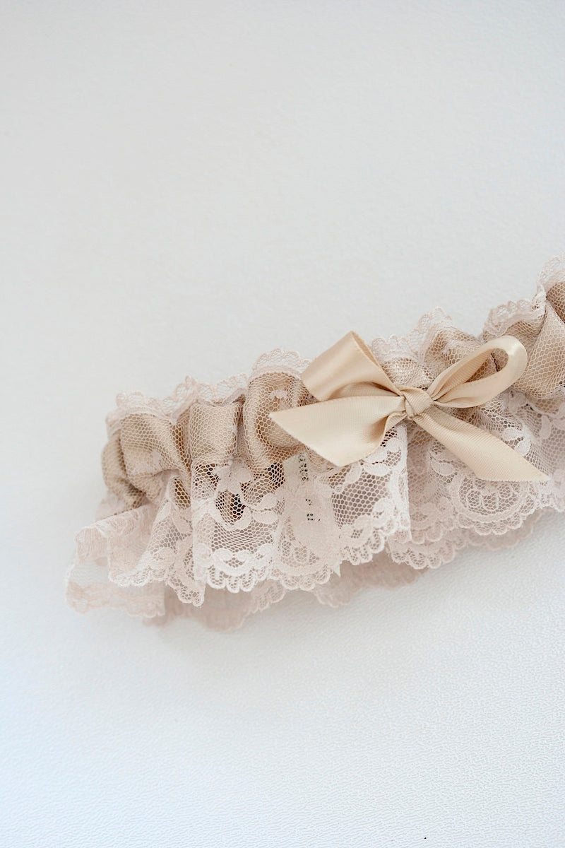 girlie-wedding-garter-The-Garter-Girl