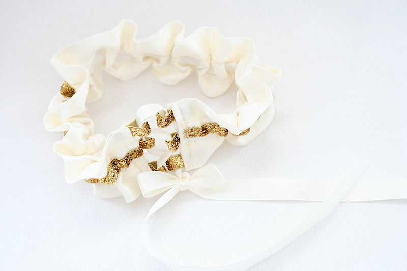 gold-custom-wedding-garter-The-Garter-Girl