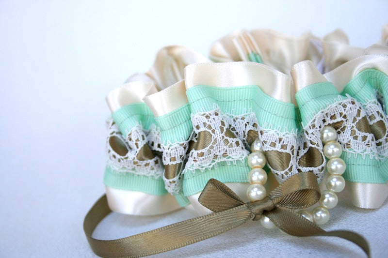 gold-mint-wedding-garter