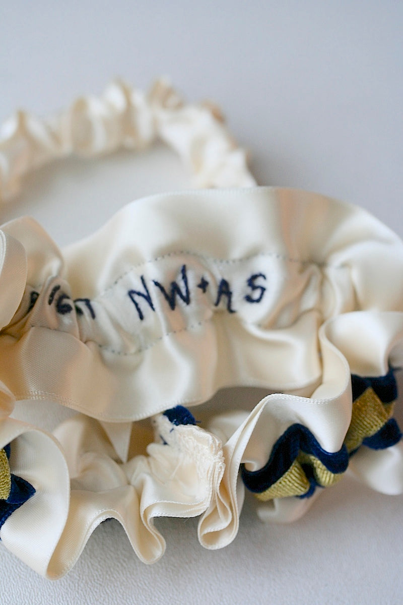 hand-embroidered-wedding-garter-The-Garter-Girl