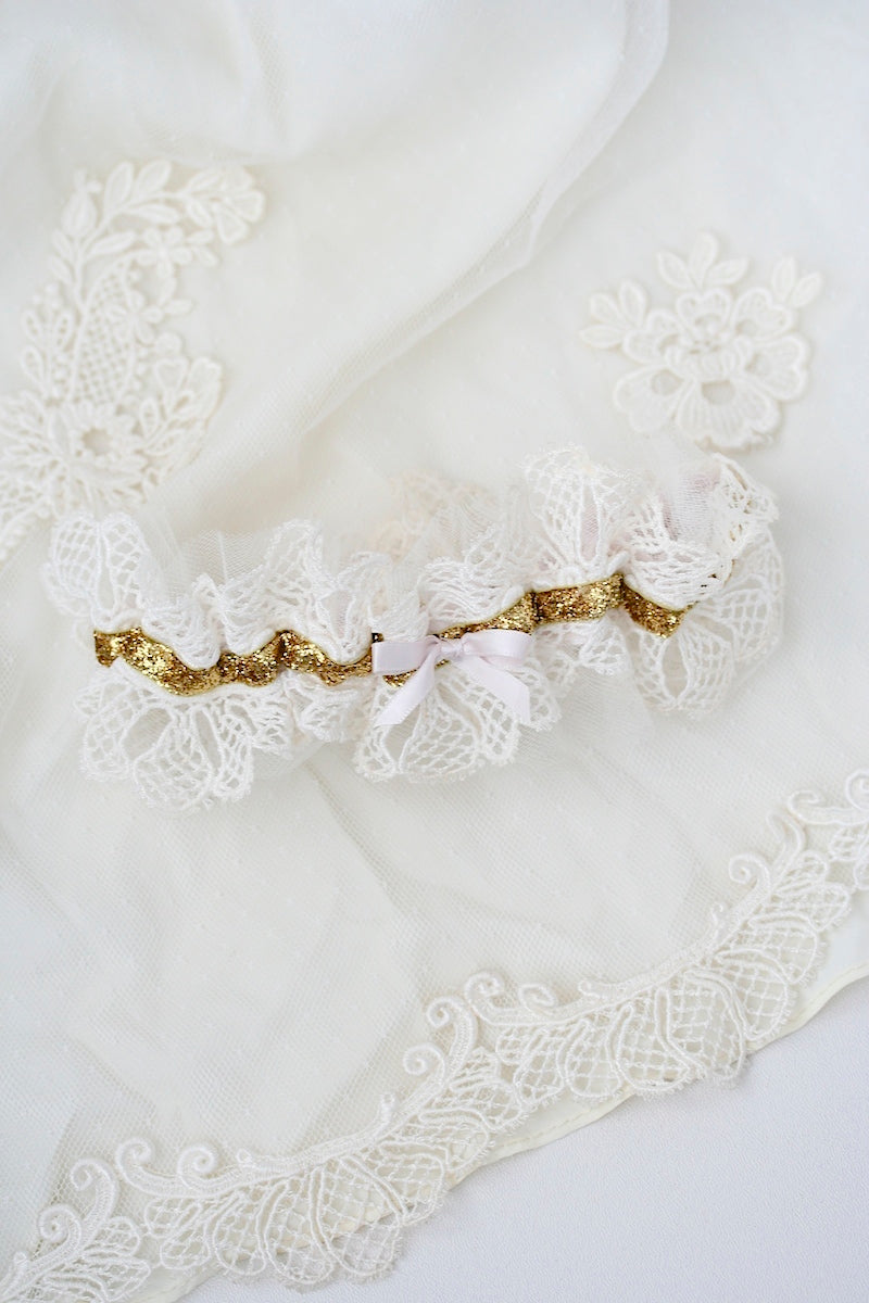heirloom-lace-wedding-garter-the-garter-girl-3