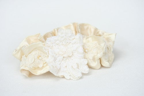 heirloom-wedding-garter-The-Garter-Girl