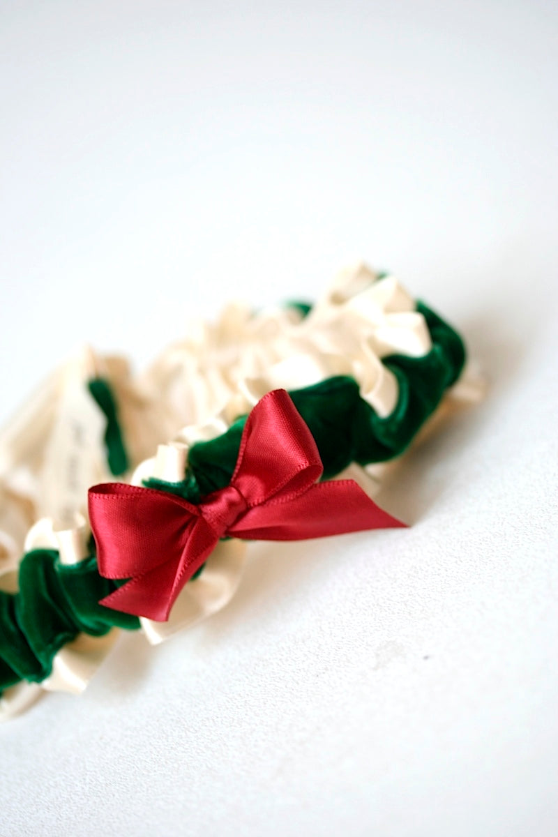 holiday-wedding-garter-the-garter-girl-1