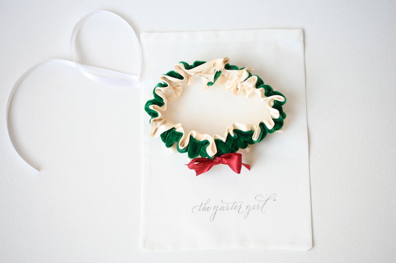 holiday-wedding-garter-the-garter-girl