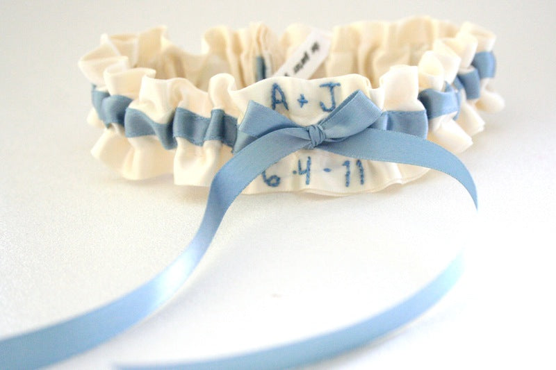 ivory-and-blue-stylish-wedding-garter