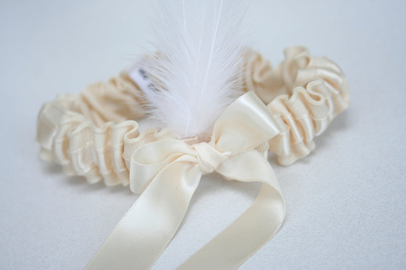 ivory-feather-custom-wedding-garter-The-Garter-Girl-2