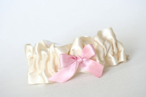 ivory-light-pink-bridal-garter-The-Garter-Girl3
