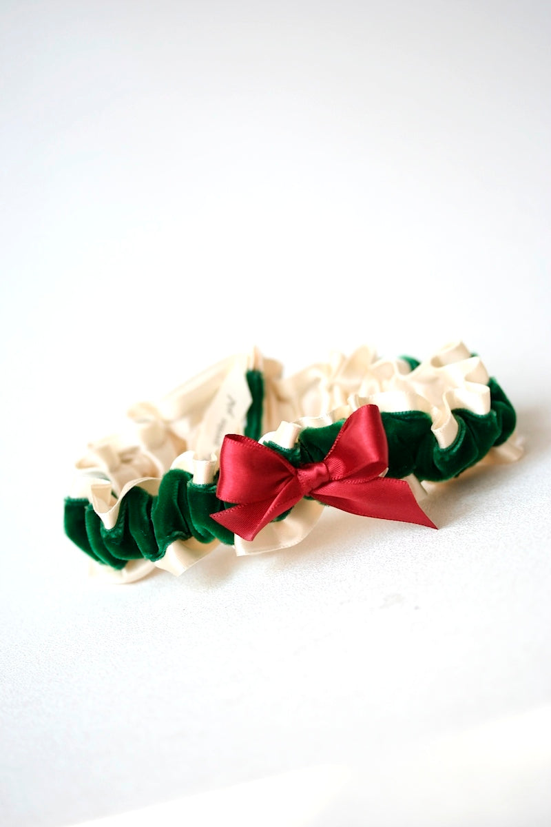 ivory-red-green-wedding-garter-the-garter-girl
