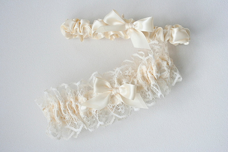 lace-custom-wedding-garter-set-The-Garter-Girl