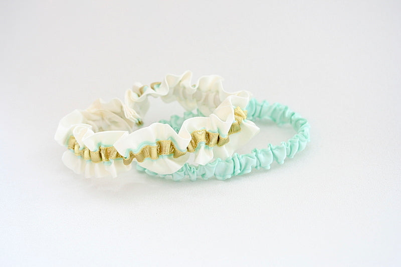 mint-wedding-garter-The-Garter-Girl
