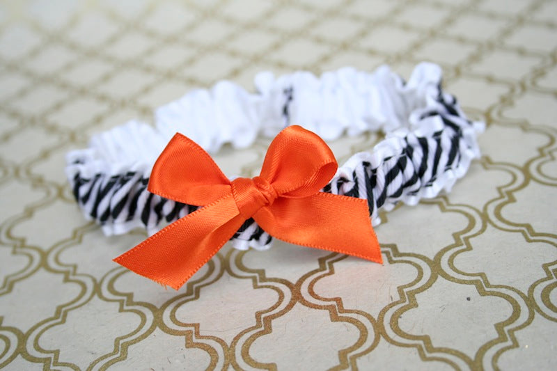 modern-wedding-garter-white-black-orange-The-Garter-Girl-2 9.20.25 PM