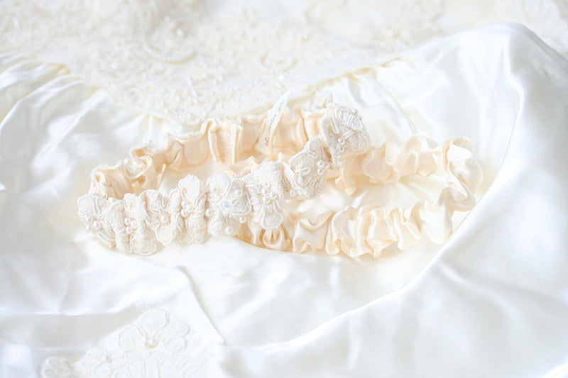 mothers-wedding-dress-bridal-garter-The-Garter-Girl-1