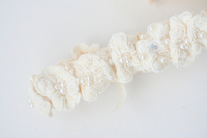 mothers-wedding-dress-bridal-garter-The-Garter-Girl-4