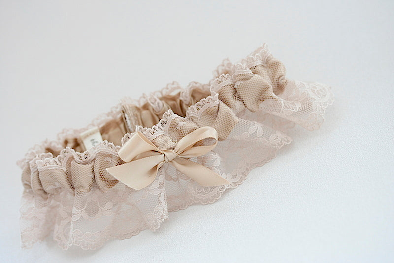 neutral-lace-wedding-garter-The-Garter-Girl