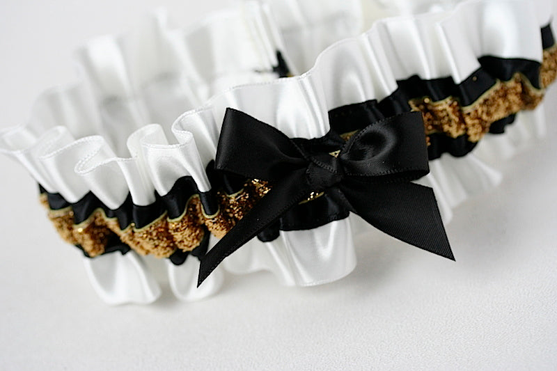 nye-wedding-garter-the-garter-girl