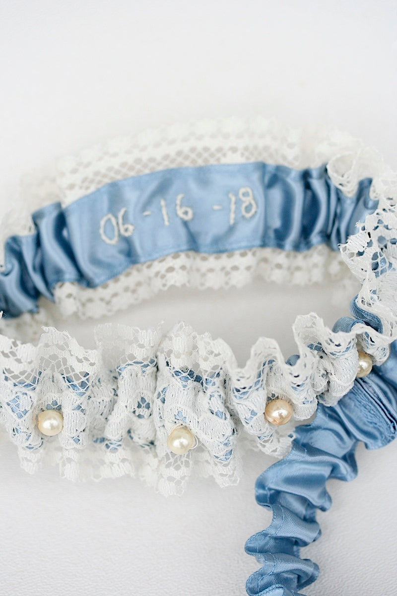wedding garter set with lace, blue and pearls