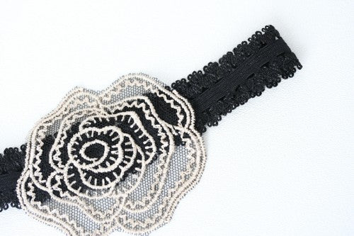 pretty-black-lace-flower-wedding-garter-The-Garter-Girl3